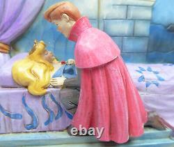 Figur Disney Enesco Jim Shore Traditions StoryBook 4043627 Aurora Enchanted Kiss