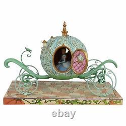 Traditions De Disney Entraîneur De Citrouille Avec Cendrillon